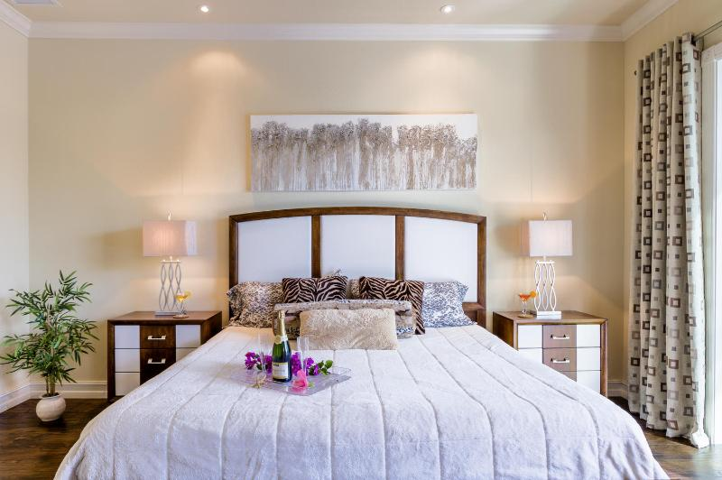 Master Bedroom - New Luxury House Aruba with 42' long Pool and Spa - Cape Coral - rentals