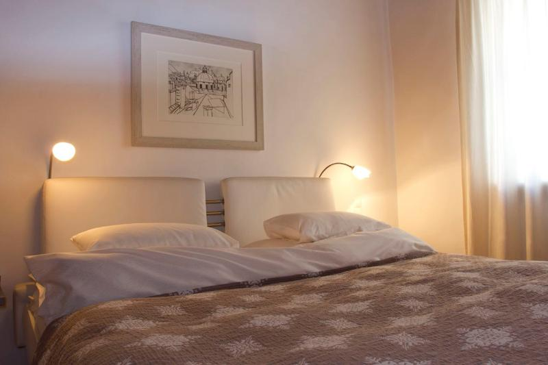 (2) Spacious Studio Apartment in the very centre of Salzburg - Image 1 - Salzburg - rentals