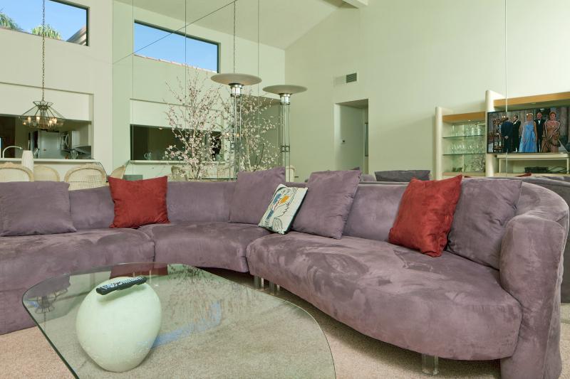 Living Room - Spacious, Fairway View/Patio, 50