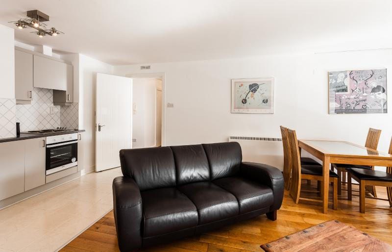 Tara Street Two Bedroom Apartment - Image 1 - Dublin - rentals