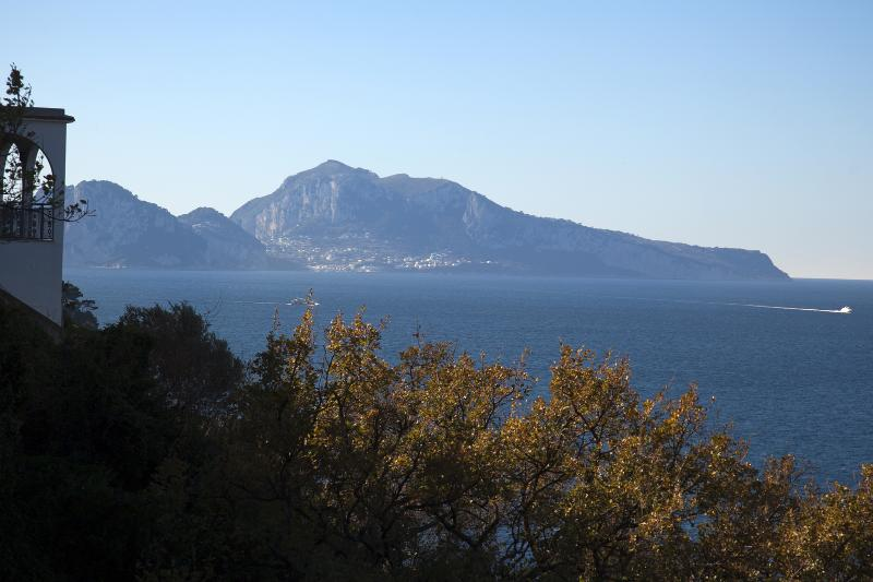 Amazing view on Capri from Villa Dafne Sorrento - Villa Dafne Sorrento Apt Limoni - Massa Lubrense - rentals