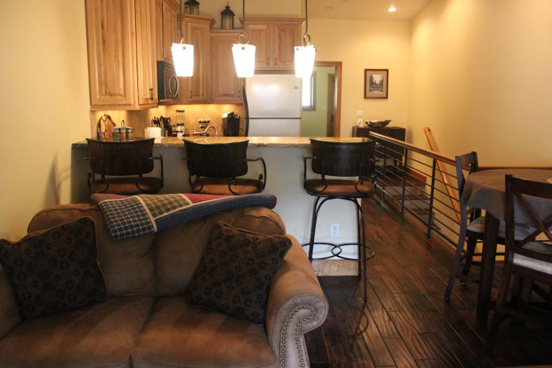 Gorgeous Townhome in Downtown Grand Lake-3BR/3BA - Image 1 - Grand Lake - rentals