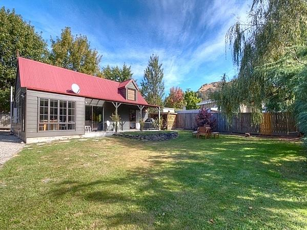 The Red Cottage - Arrowtown Holiday Home - The Red Cottage - Arrowtown - rentals