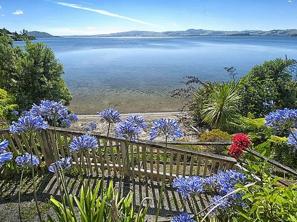Piece of Paradise - Lake Rotorua Holiday Home - Views to the Water from Main House - Piece of Paradise - Rotorua - rentals