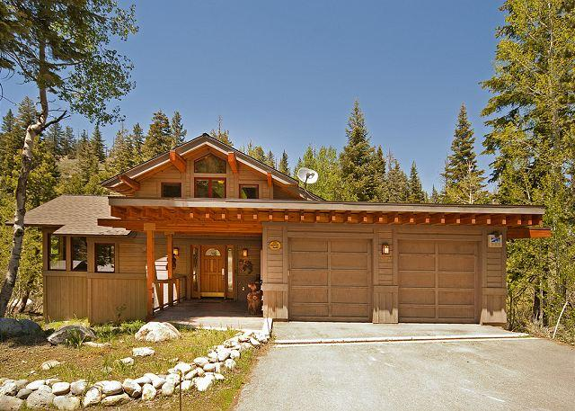 Front Exterior - ****Creekside in Alpine w/ 5 Master BRs & Hot Tub - NOW only $500/night **** - Alpine Meadows - rentals