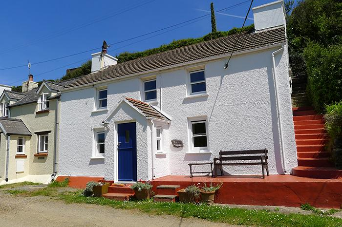 Pet Friendly Holiday Cottage - Tri Pysgodyn, Abercastle - Image 1 - Pembrokeshire - rentals