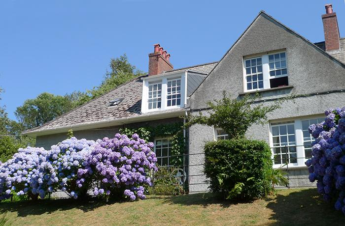Holiday Cottage - 2 Dingle Cottage, Waterwynch, Tenby - Image 1 - Tenby - rentals