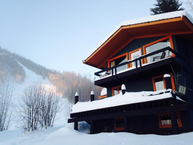Ski In / Ski Out cabin / house from $200 Burfield - Image 1 - Sun Peaks - rentals