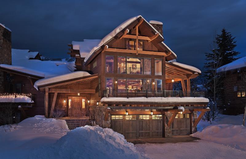 Sun Ridge Lodge: Exterior View - Sun Ridge Lodge - Steamboat Springs - rentals