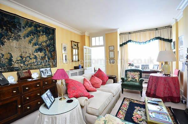 Gorgeous country-style two-storey mews house- Holland Park - Image 1 - London - rentals