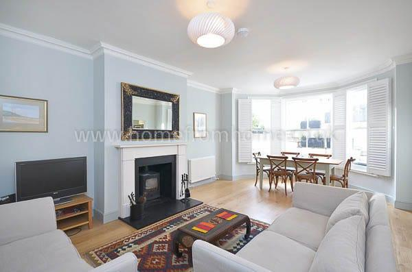 Elegant and naturally light 2 bedroom apartment with great outdoor space- Kensington - Image 1 - London - rentals
