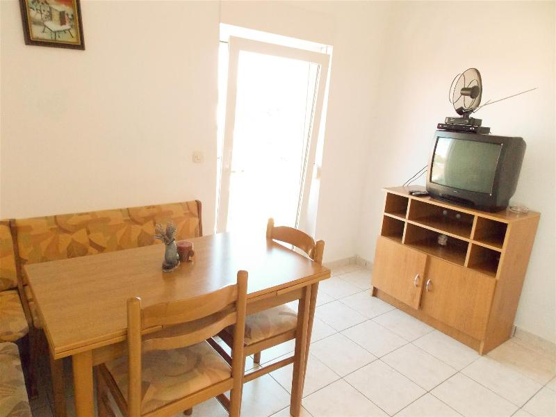Affordable & cozy apartment ADAM 3.2 for 3 persons in Novalja - Image 1 - Novalja - rentals