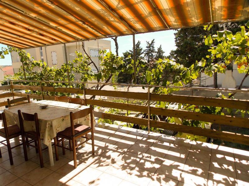 Welcoming 3 bedroom apartment AS for 6 persons in Novalja - Image 1 - Novalja - rentals