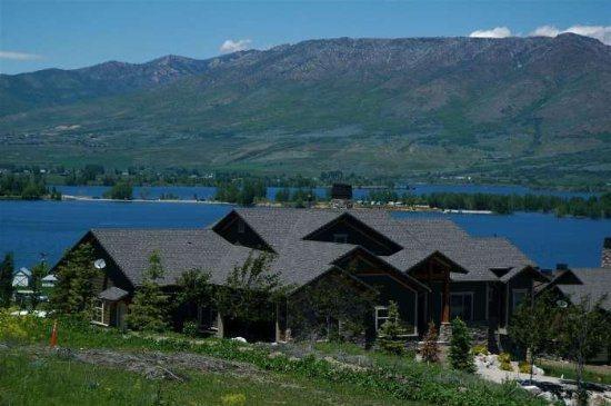 Ski Lake Lodge - Luxury Lodging Near Snowbasin - Image 1 - Huntsville - rentals