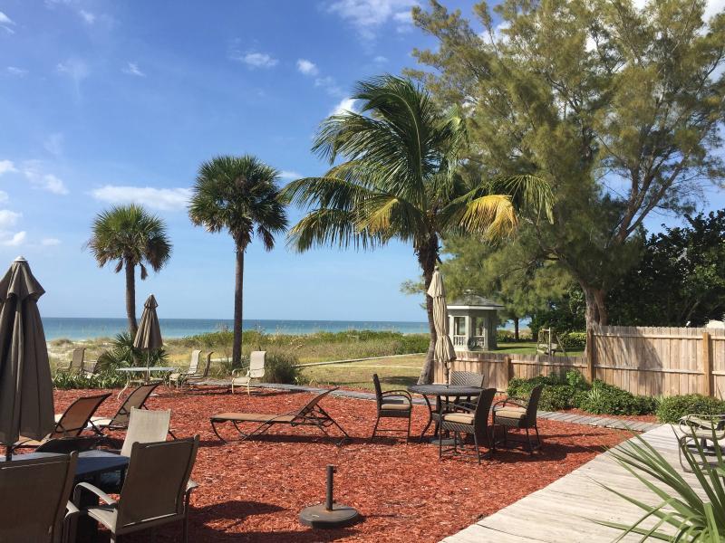 Beachfront apt overlooking the Beach - Image 1 - Indian Shores - rentals