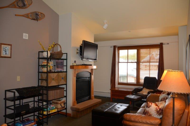 Vaulted Ceilings - Zephyr Mountain Lodge 1606 - Winter Park - rentals