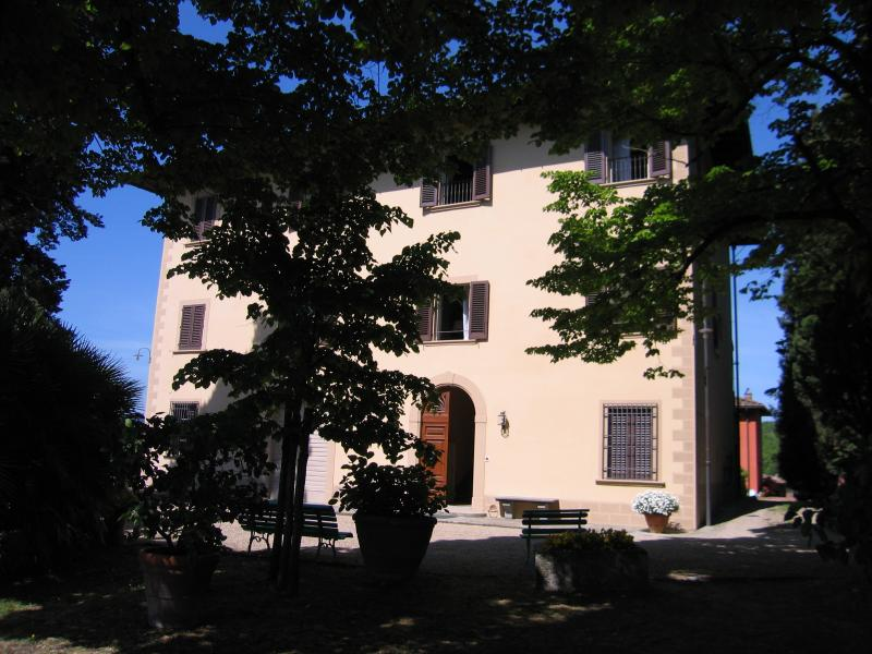 Large Villa Rental in Tuscany Near Florence with Pool - Villa Gialla - 20 - Image 1 - Rignano sull'Arno - rentals