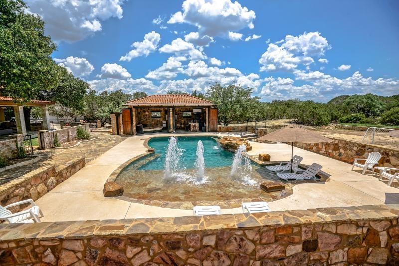 SAN ANTONIO, TX, - Villa Style, w/Private Pool & C - Image 1 - Bulverde - rentals