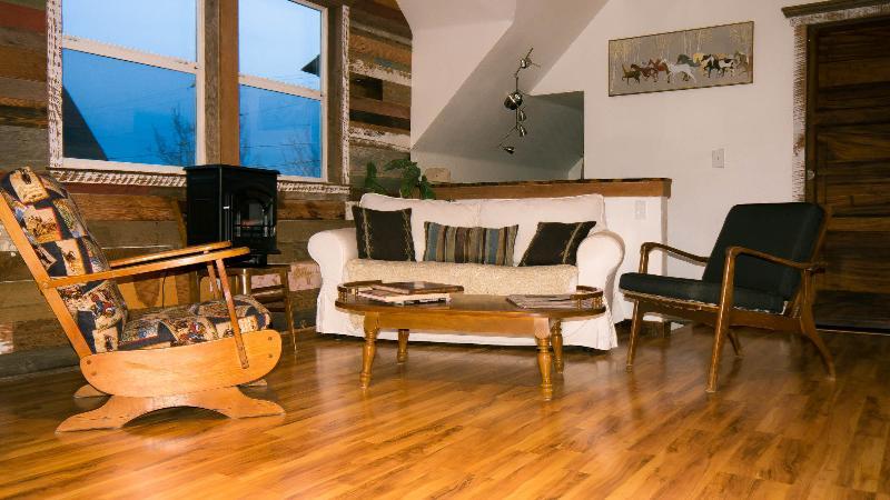 Living Room - Sky Cabin Loft- Modern, Clean, Comfy GreatLocation - Portland - rentals