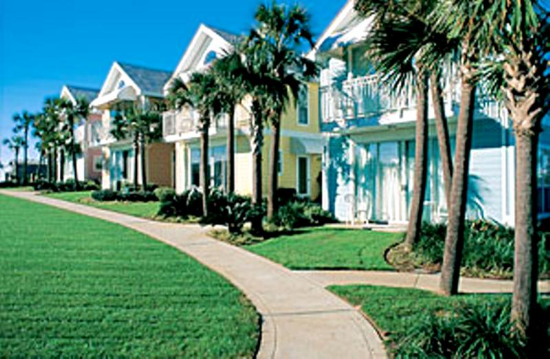 Nantucket Cottages #10B -15% OFF Stays From 4/11 - 5/15! Book Online! 100 Yards from Crystal Beach! - Image 1 - Destin - rentals
