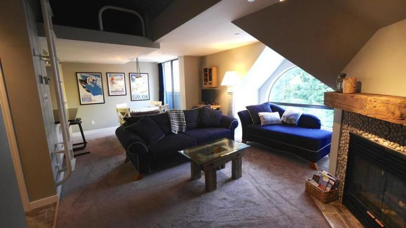 Comfortable Layout with loft aboce - Pika's Whistler Penthouse - Whistler - rentals