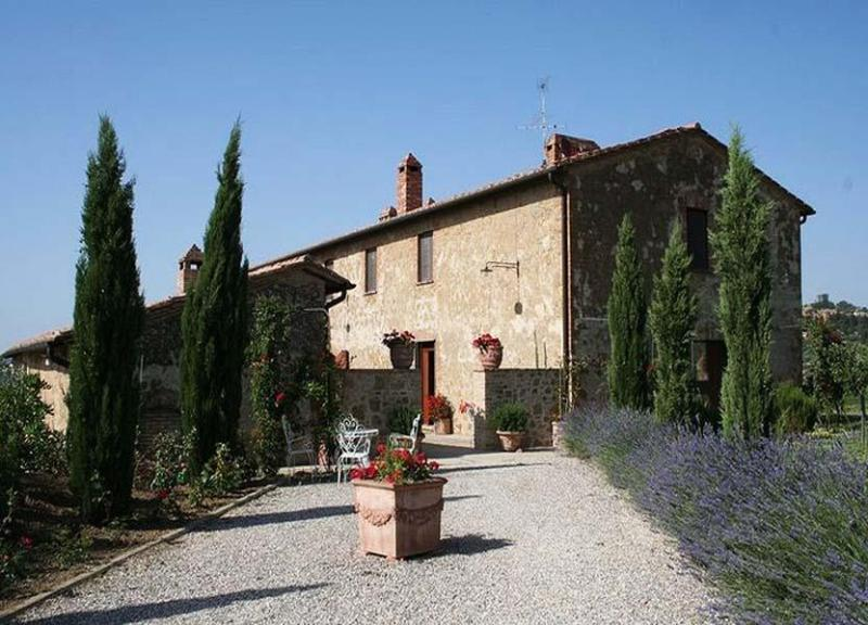 Back side view of the villa - Villa Manuela - Pienza - rentals