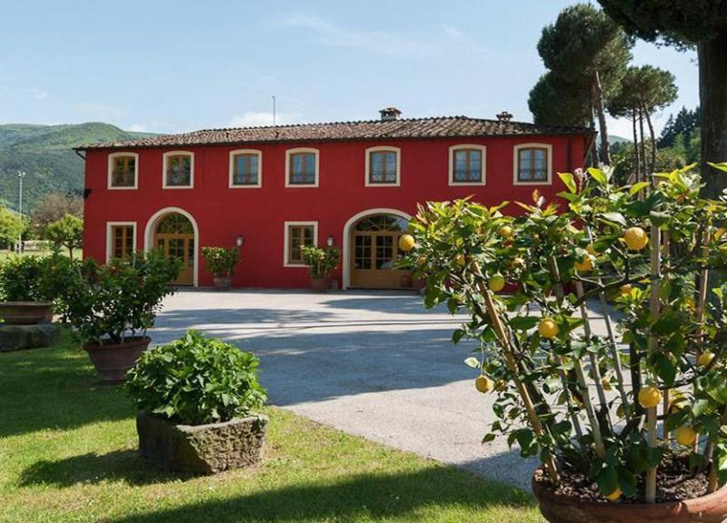 Main view of the villa - Villa del Cigno - Capannori - rentals