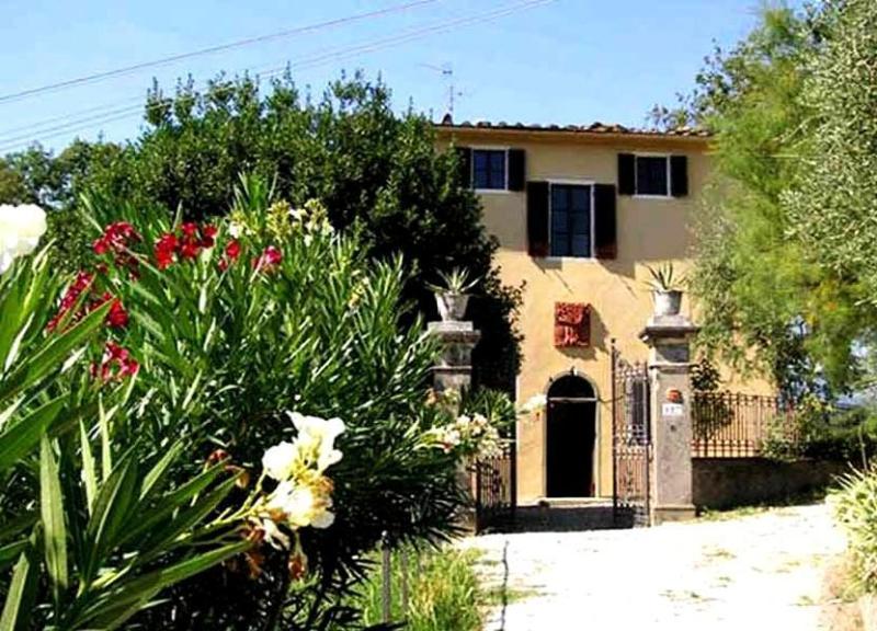 Front view of the villa - Villa Rafaele - Pistoia - rentals