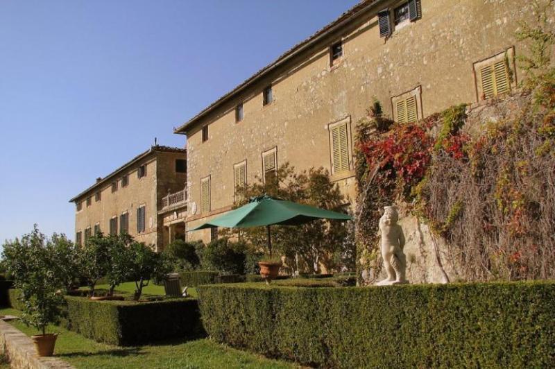 Side view of the Villa Benedetta - Villa Benedetta - Monteriggioni - rentals