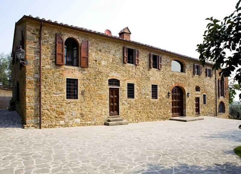 Front view of villa San Biagio - Villa Celestina - Carmignano - rentals