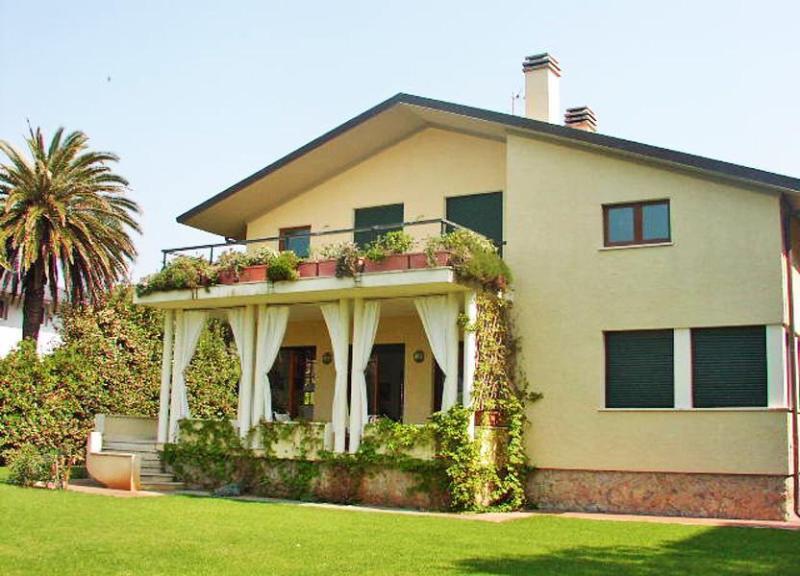 Main view of the Villa Allegria - Villa Allegria - Marina Di Pietrasanta - rentals