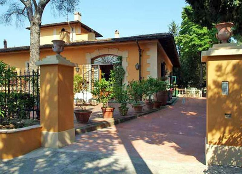 Entry way  to villa - Rental at Villa del Bianca in Florence - Florence - rentals