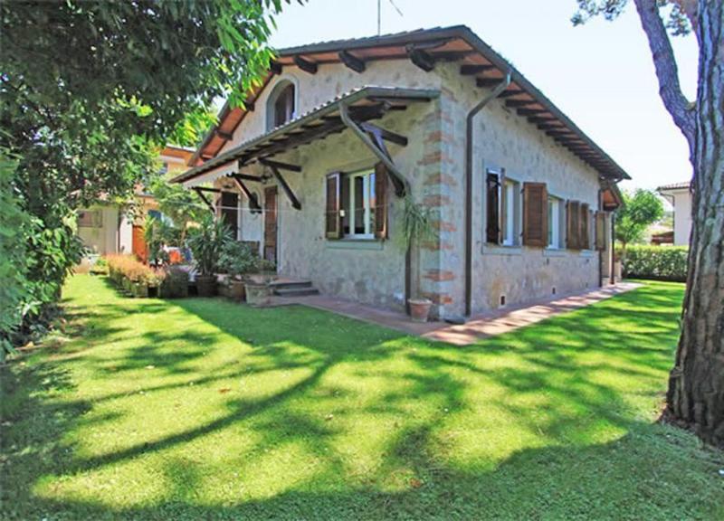 Villa Andesta - Image 1 - Forte Dei Marmi - rentals