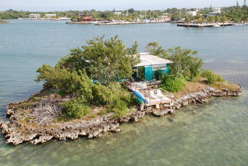 Your Private Island with shore power and water! - Private Tropical Island Home w/Motorboat, Kayaks - Marathon - rentals