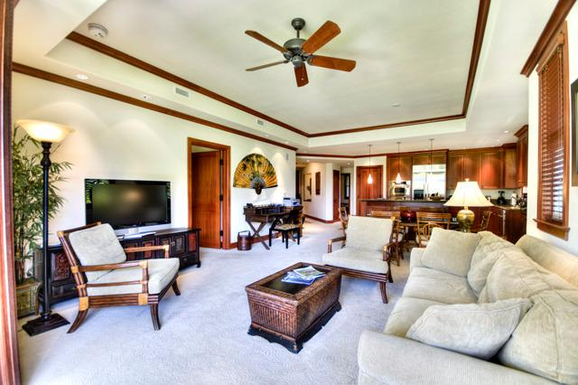 Beautiful Lanai and Living Room Space.  Pocket Doors open up all the way! - Luxurious but affordable Hawaiian vacation - Waikoloa - rentals