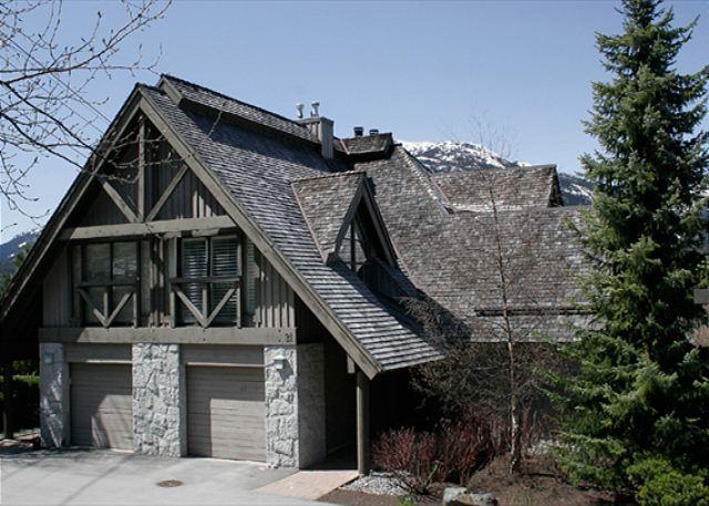 Exterior View of Pinnacle Ridge - Pinnacle Ridge 21 | Whistler Platinum | Close to Ski Access, Private Hot Tub - Whistler - rentals