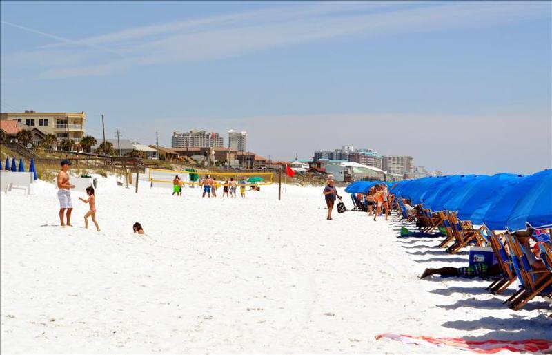 "Destin Dreamer"" Beach Resort Unit 506, Covered Parking, Top Floor, Sleeps 7!! - Image 1 - Miramar Beach - rentals"