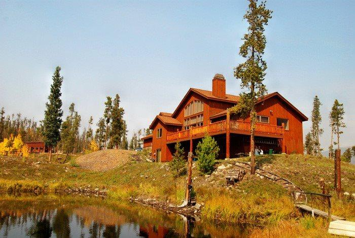 Beautiful lodge home located on 26 acres of private land - Bootlegger Lodge - 26 acres of private land, on private lake! - Silverthorne - rentals