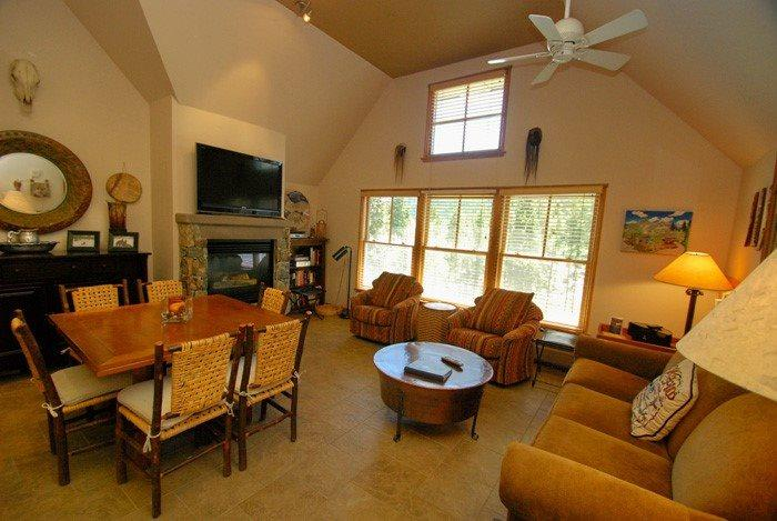 Living room featuring gas burning fireplace - Jackpine Lodge 8024 - Completely renovated, beautiful decor, ADA compliant! - Keystone - rentals