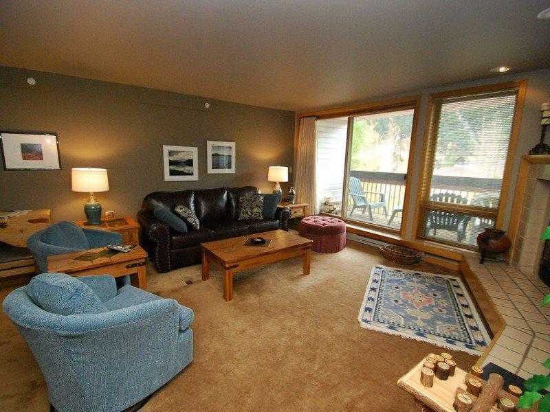 Queen sofa sleeper in the living room - Liftside Condominiums 203 - New appliances, new decor, ski area views, walk to slopes! - Keystone - rentals
