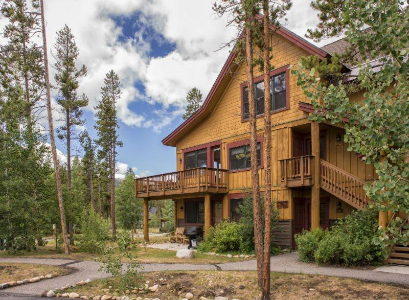 Among Keystones favorite choices, Trappers Crossing hosts spacious deluxe mountain living - Trappers Crossing 8752 - East Keystone, jetted tub, on shuttle route, outdoor hot tub on site! - Keystone - rentals