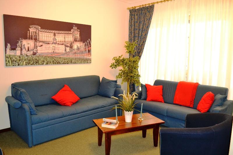 LIVING ROOM with SKY SAT TV - VATICAN, BIG APARTMENT, A/C, WIFI, SAT TV - Rome - rentals