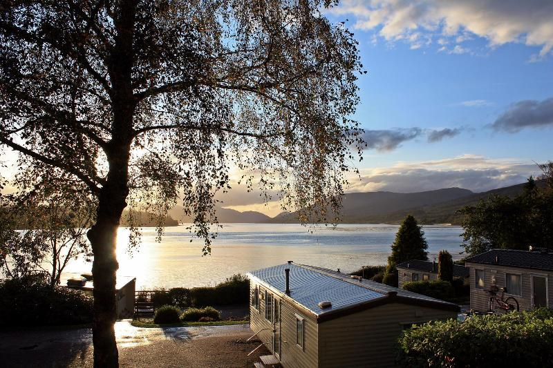 Stunning loch views guaranteed; just sit and enjoy. - Gold Caravan with beautiful loch views - Fort William - rentals