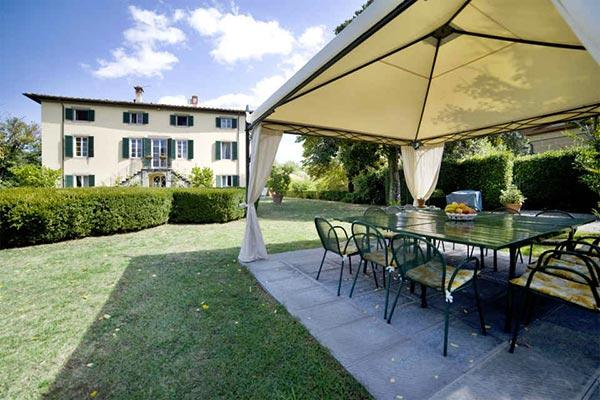 18th century Manor with a chapel at the center of the villa 4km from Lucca. SAL VCA - Image 1 - Lucca - rentals