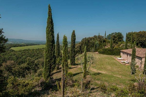 Take in views of the Val d' Orcia and Crete Sensei from this large farmhouse. SAL LAV - Image 1 - Tuscany - rentals