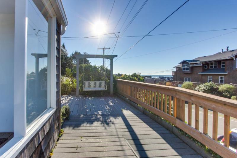 Hemlock Modern Beach House - Image 1 - Cannon Beach - rentals
