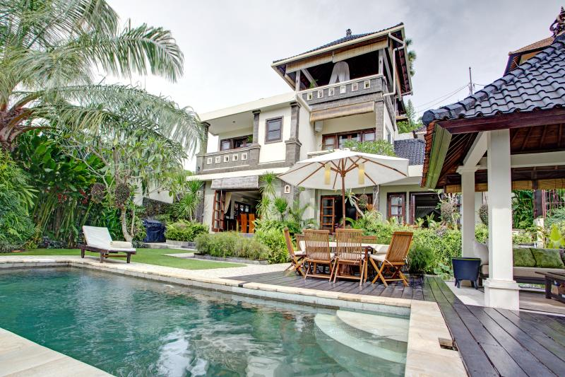villa exterior - Luxury Villa in Southern Bali.Peaceful,Lush,Homey - Ungasan - rentals