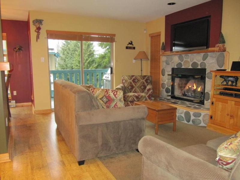 Living room - Forest Trails at Whistler - Whistler - rentals
