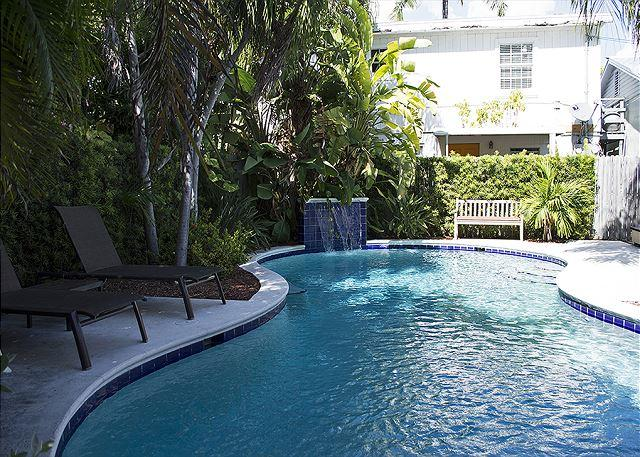 Pete's Cottages: Twin Cypress cottages steps from Duval - Image 1 - Key West - rentals
