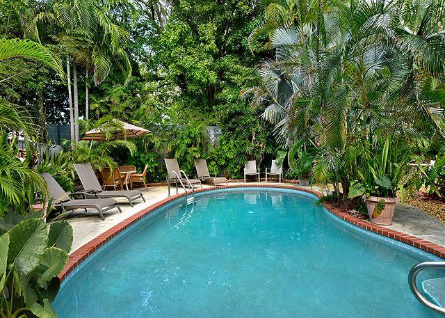 Ann Street Tranquility:  A cozy and peaceful cottage - Image 1 - Key West - rentals